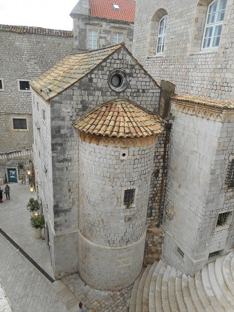 dubrovnik-wall-church