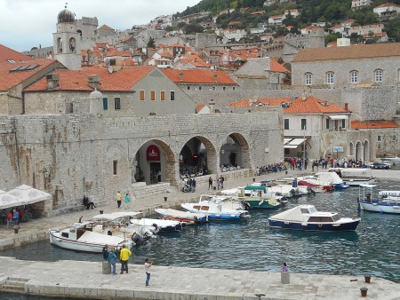 dubrovnik-wall-harbor