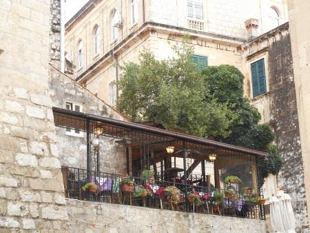 dubrovnik-wall-restaurant