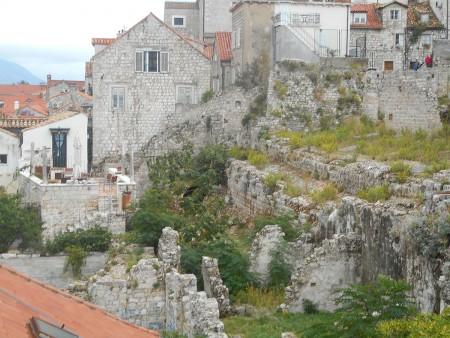 dubrovnik-wall-ruins