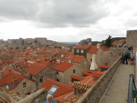 dubrovnik-wall-town-2