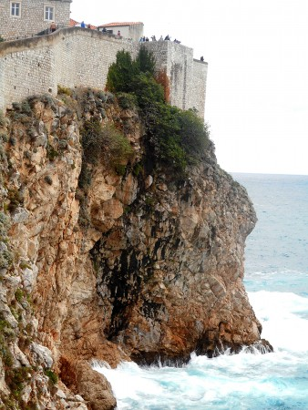 dubrovnik-wall-waves
